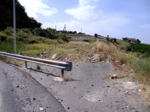 Palagonia - Strada interrotta