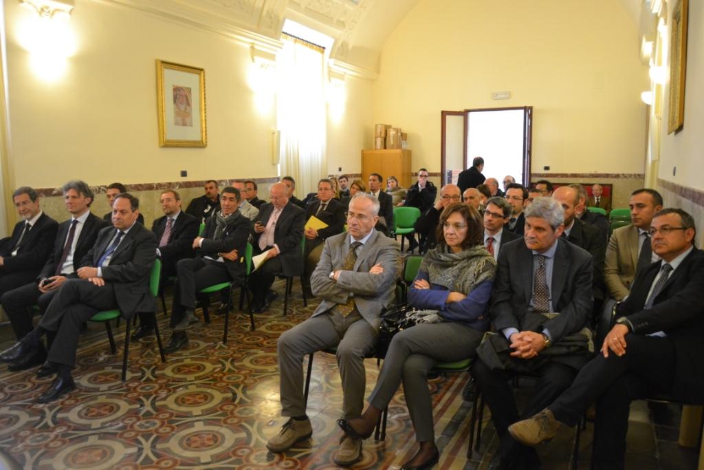 incontro vescovo rappresentanti istituzionali calatino - sala