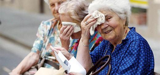 426-anziane-caldo
