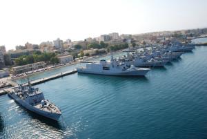 Il porto militare di Augusta