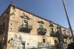 Il prospetto principale del palazzo